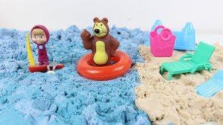 Koca Ayı ile Maşa Tatile Gidiyor Koca Ayı Maşa'ya Kumdan Ev Yapmasını Öğretiyor Masha And Bear