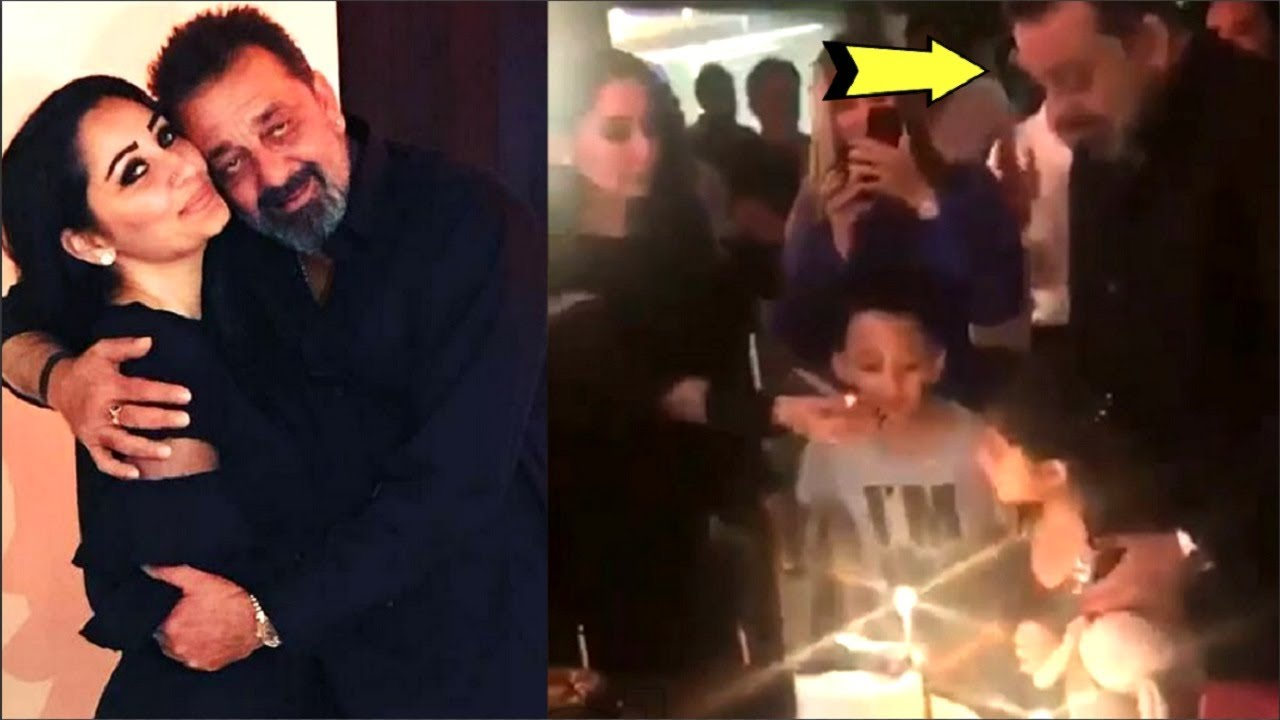 Sanjay Dutt CUTE Moment With Wife Manyata Dutt And Children At His Birthday  Party