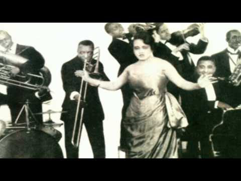 Mississippi Blues - Lucille Hegamin And Her Blue Flame Syncopators (Bell)1921