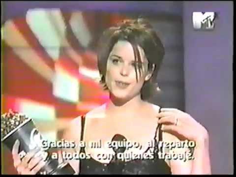 Neve Campbell wins MTV Movie Awards '98 - Scream 2