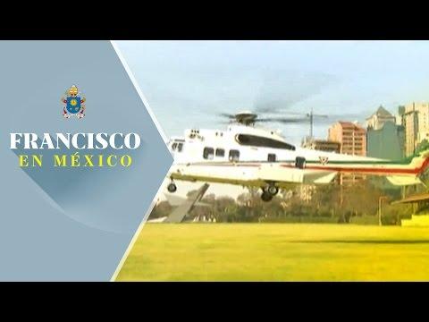 Papa Francisco arriba a Campo Marte rumbo al Hospital Infantil de México