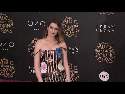 Alice Through The Looking Glass LA Premiere Red Carpet - Johnny Depp, Anne Hathaway, Mia Wasikowska thumbnail