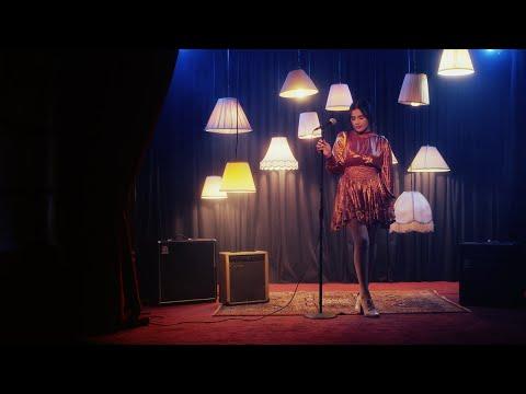 Смотреть клип Melissa Romero - Baila Lento
