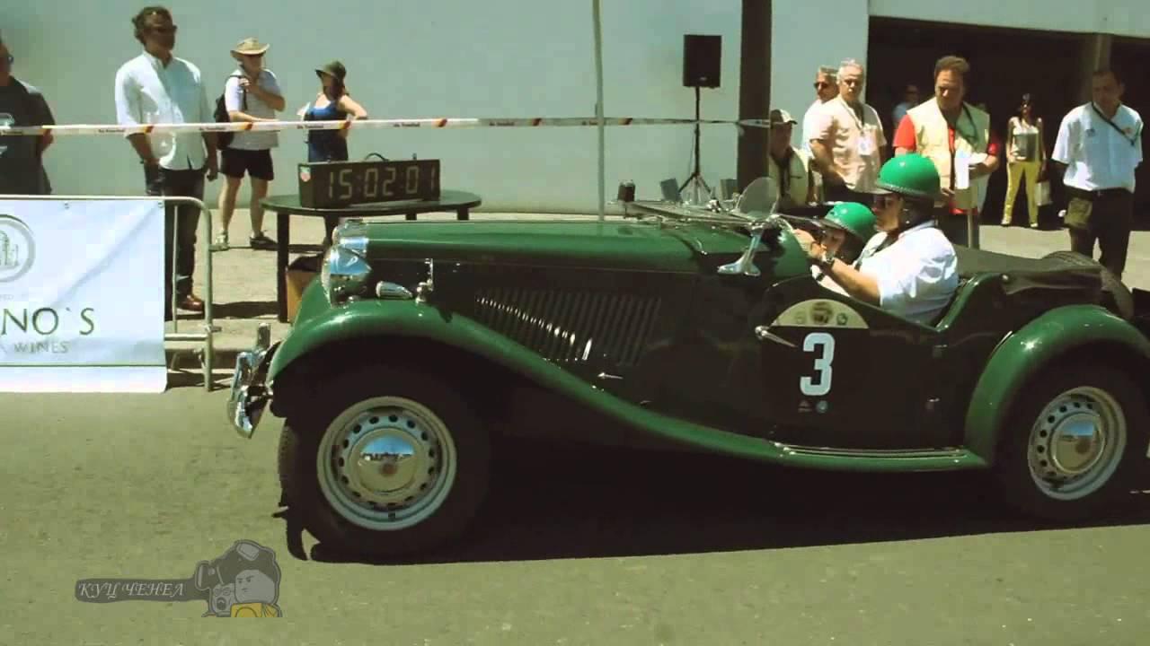 Выставка старых тюнингованных ретро автомобилей в США 2015