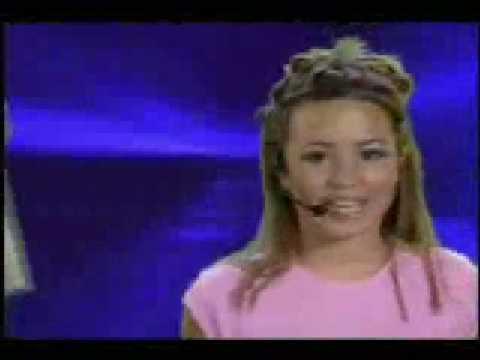 "Demi Lovato Performing ""Moves Me"" DOWNLOAD (mp3 mp4 wmv)"