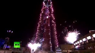 Massive fireworks in Dubai lights up Burj Khalifa to celebrate New Year 2014