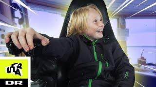 Styrer færge alene: Magnus flipper helt ud! | Ultra Ægte