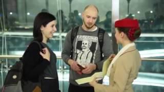 فيديو| في اليوم العالمي للسعادة.. ماذا فعلت طيران الإمارات مع الركاب؟