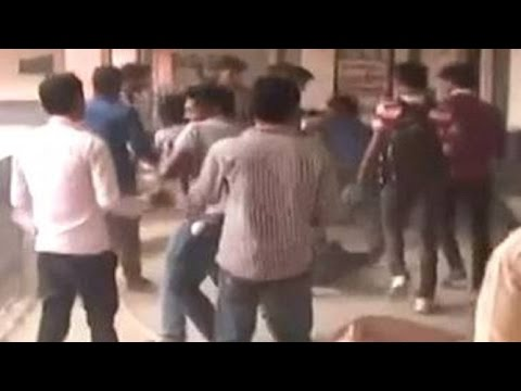 TMC-Cong student leaders clash inside Raiganj University, West Bengal