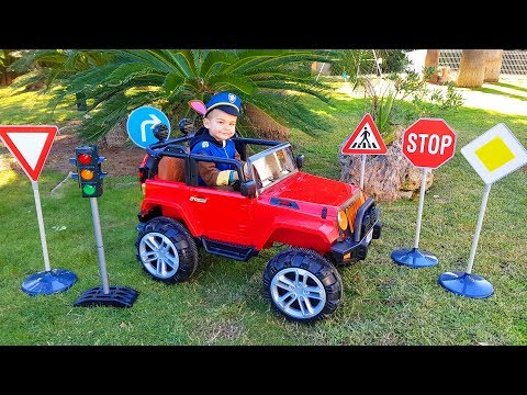 FUNNY BABY Unboxing and Assembling Traffic light and Road signs Ride On POWER WHEEL Щенячий Патруль