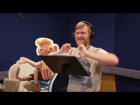 Андрей Рожков озвучивает Глупса в мультфильме «Гурвинек. Волшебная игра».