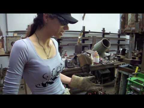 Dee Hedges knifemaker from Perth,Australia