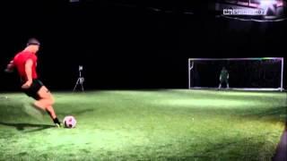 Как научится бить мяч как Cristiano Ronaldo секрет удара