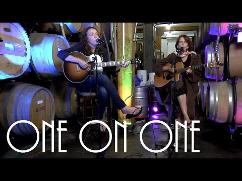 ONE ON ONE: Lucy Wainwright Roche & Suzzy Roche 9/19/16 City Winery New York Full Session