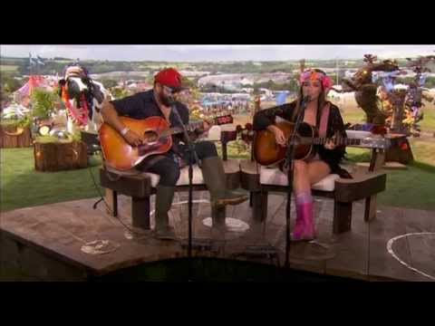 Kacey Musgraves - Merry Go Round at Glastonbury 2014