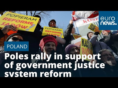Poles rally in support of government justice system reform