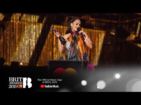 Jorja Smith wins British Female Solo Artist | The BRIT Awards 2019