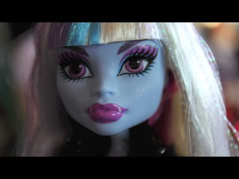 Dolly Review:  Picture Day Abbey (Confessions of a Doll Collectors Daughter)