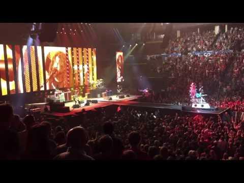 Foo Fighters - My Hero - Chesapeake Energy Arena