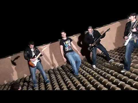 VIDEOCLIP VOY POR LA CALLE - AVISO LEGAL