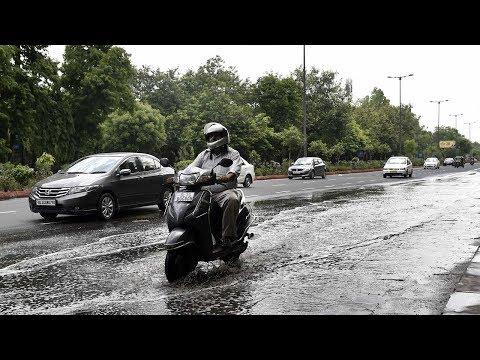 Fresh pre-monsoon showers lash Delhi