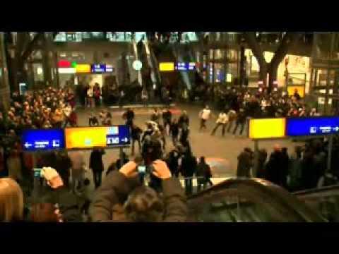 Berlin Flashmob   Dancing To Footloose By Kenny Loggins