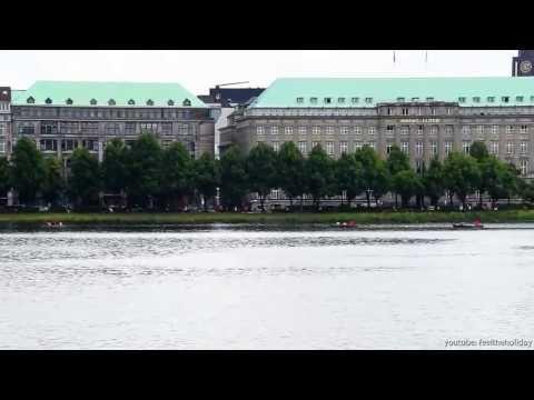Hamburg Tourist Blick über die Binnenalster hinüber zum Ballindann und Jungfernstieg