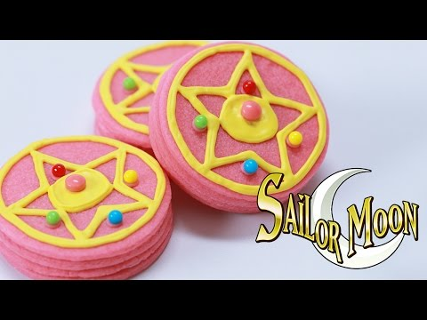 Make SAILOR MOON BROOCH PINATA COOKIES - NERDY NUMMIES Snapshots