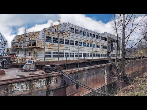 EXPLORING AN ABANDONED GHOST SHIP PRAGUE   ABANDONED PLACES   URBEX