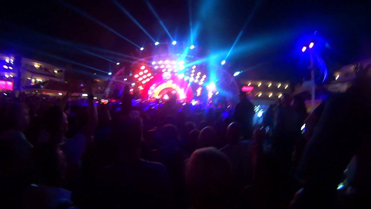 Download David Guetta - Opening Party (USHUAIA IBIZA 2014) (vol.3)