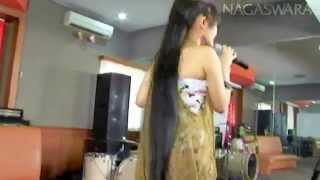 Gambar cover Copy of Siti Badriah   Suamiku Kawin Lagi   Official music video