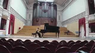 Eugènia Guri plays Bartók Suite Op 14