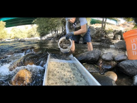 Download Under the Bridge - Gold Prospecting in Kern River Ep. 22 Mp4 baru
