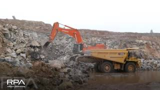Hitachi ZW370 and ZX870 in the quarry