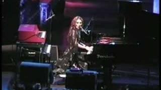 Tori Amos-Riverside.Church-NY-2002 =23-Tear In Your Hand