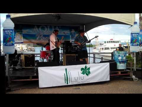 Warwick Murray and The Brew - Long Grey Mare (Fiji Jazz and Blues 2012)