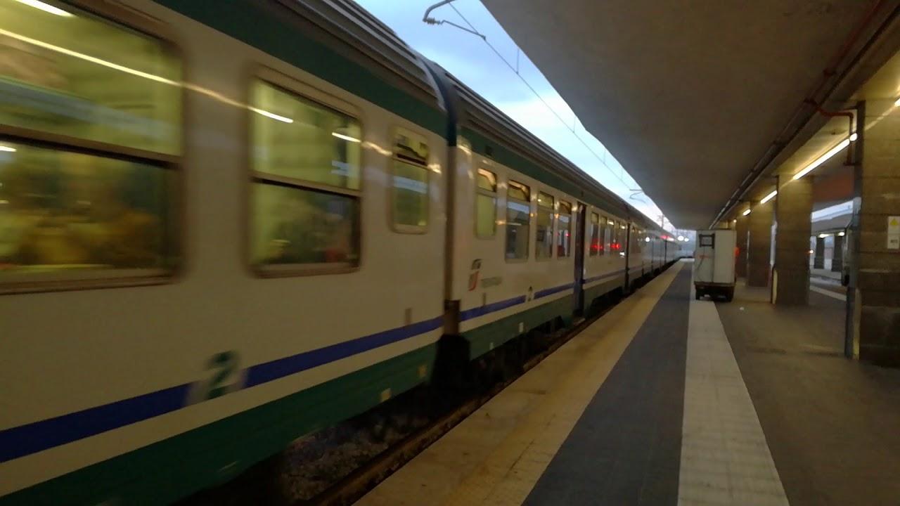 Treno REG 2394 Napoli Centrale - Roma Termini in partenza ...