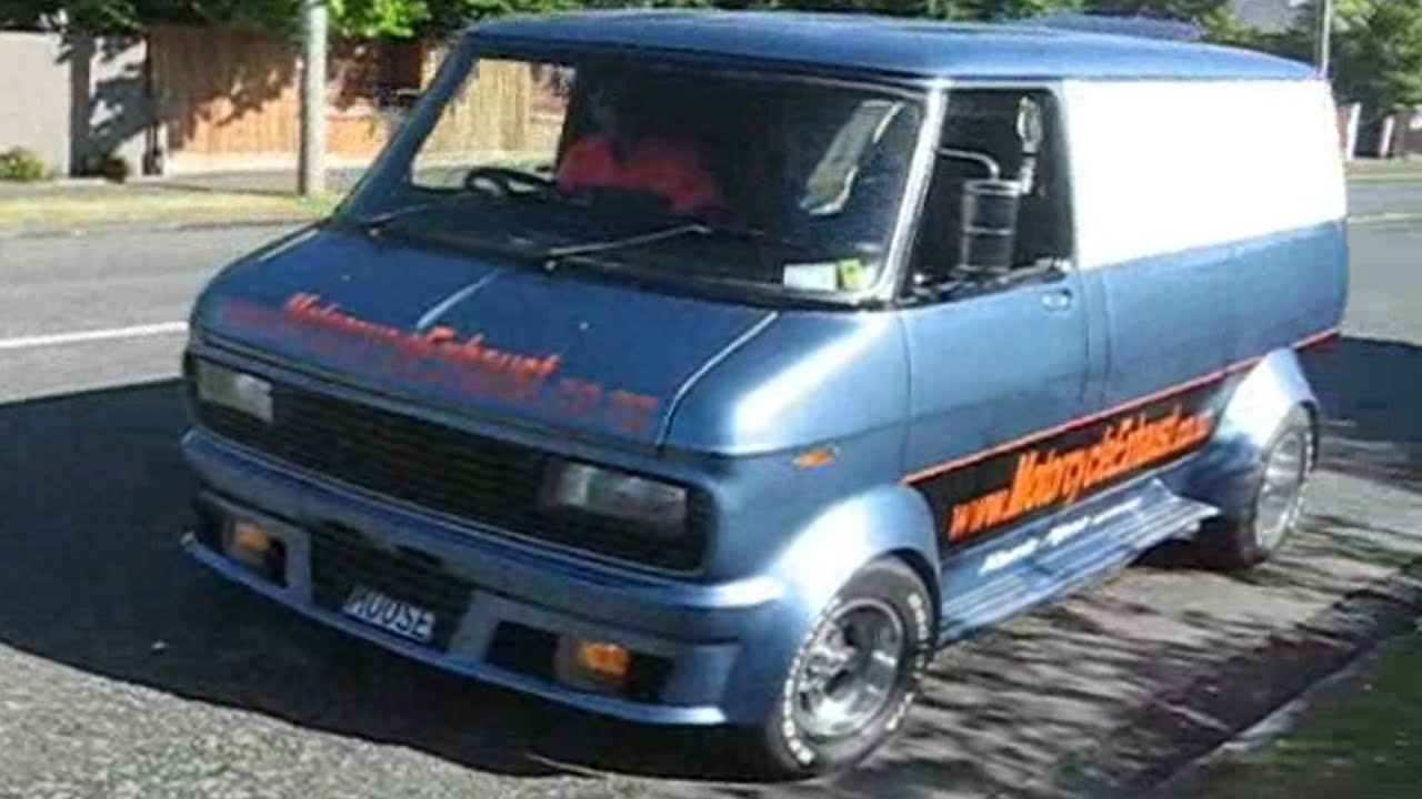 Chevy Astro For Sale >> Custom Bedford Van Deep Dish Rims. v8 - YouTube