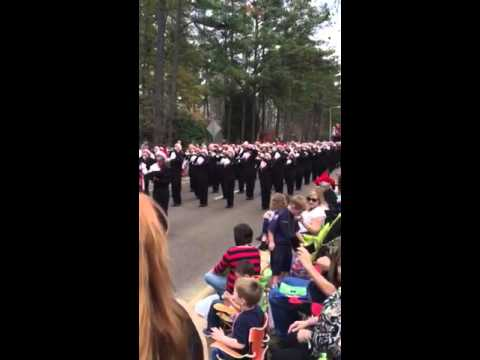 Germantown Christmas Parade 2015 HHS band - YouTube