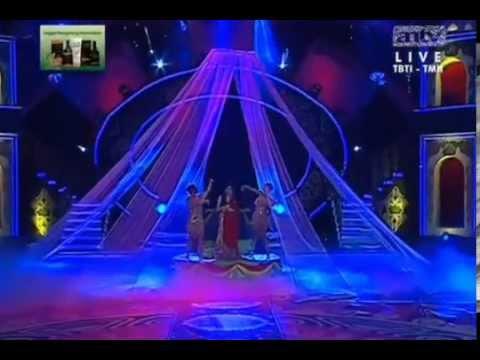 Ayu Ting Ting - Kabhi Jo Badal Barse with Subtitle - Bolly Star Vaganza