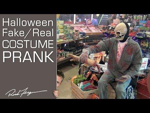 HALLOWEEN! Costume SCARE Prank!!