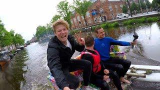 Met zelfgemaakt JETsurfbank door AMSTERDAMSE grachten!