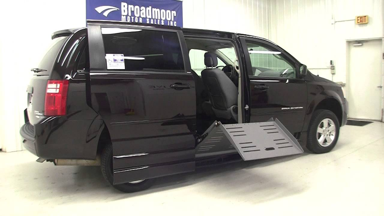 dodge grand caravan wheelchair van youtube. Black Bedroom Furniture Sets. Home Design Ideas