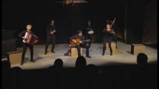 東演パラータ公演、劇団ぱれっと「星の王子さま」オープニングの映像です。