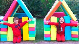 Playhouse From Building Blocks | Chiki-Piki Pretend Play With Construction Toys