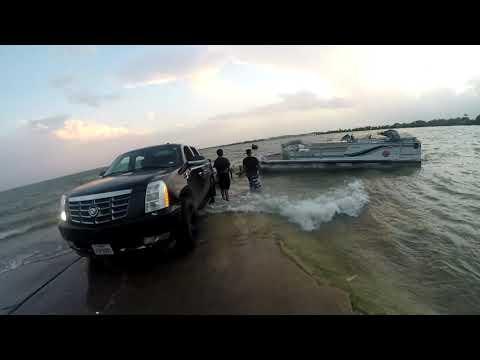 Crazy Boat ramp fail!