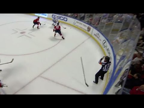Ref gets bonked in the head with stick in Maple Leafs and Panthers game