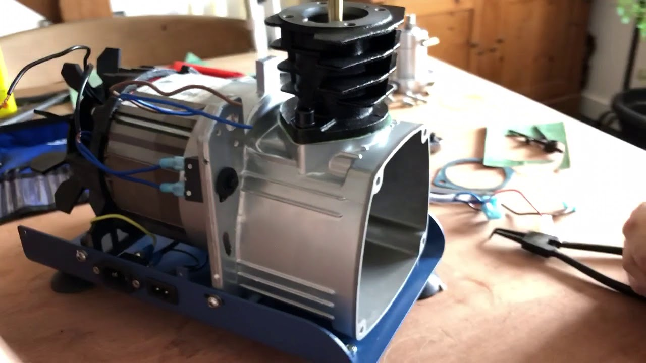 Yong heng compressor strip down and rebuild part 3 in