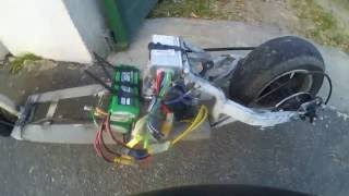 balade trottinette électrique fait maison avec alternateur en moteur