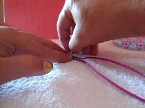 de bisuteria es i spirado e las iñas,es u a pulsera facil de realizar que ellas mismas puede hacer.Los materiales que utilize so comprados e Walmart